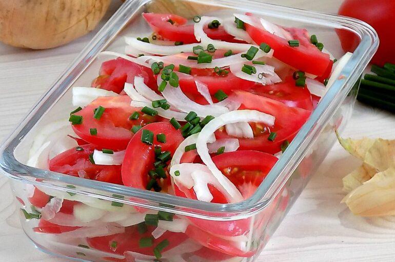 Sałatka uzbecka z pomidorów