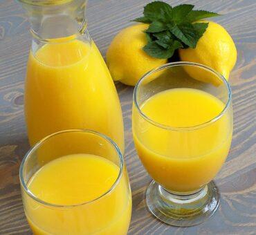 Domowa lemoniada pomarańczowa z cytryną