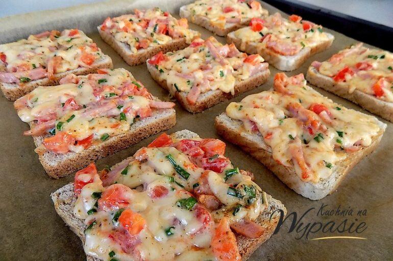 Ekspresowe zapiekanki z chleba tostowego