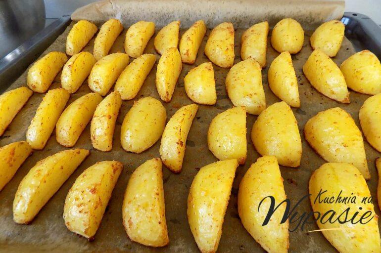 Pieczone ziemniaki z blachy
