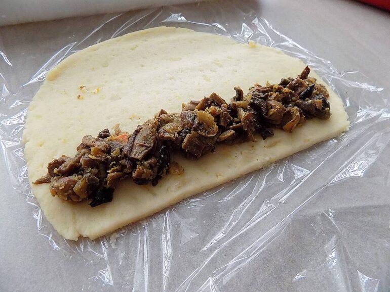 Kartoflaniki - grzybowe paszteciki