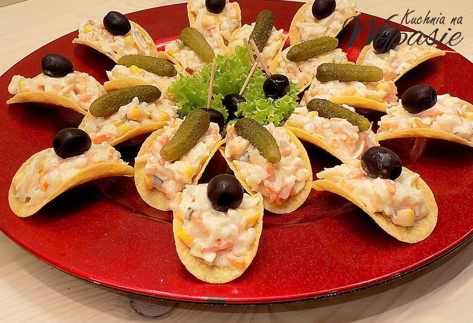Sałatka - przekąska na chipsach