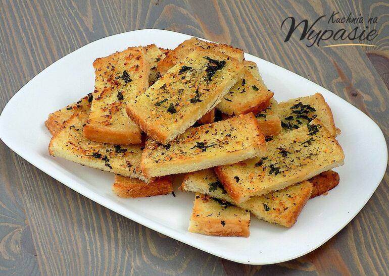 Czosnkowe kromeczki chlebowe