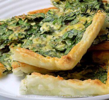 Ciasto francuskie ze szpinakiem i serem