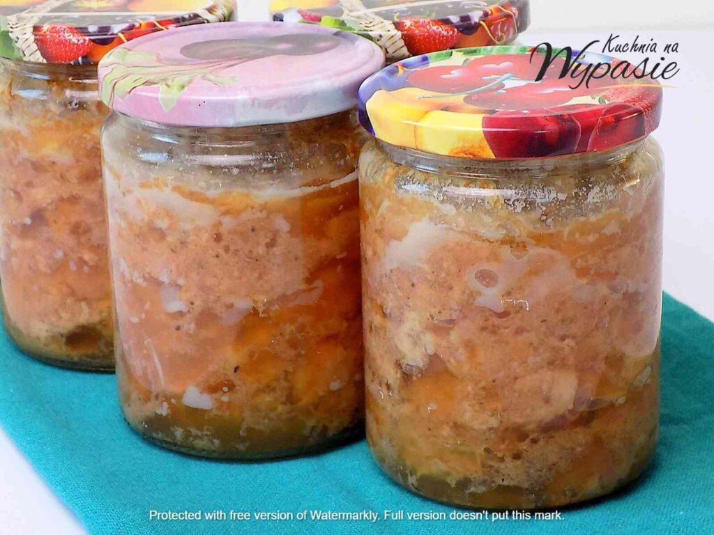 Pyszna i aromatyczna konserwa mięsna na kanapki, czyli wieprzowina z galaretką w słoiku