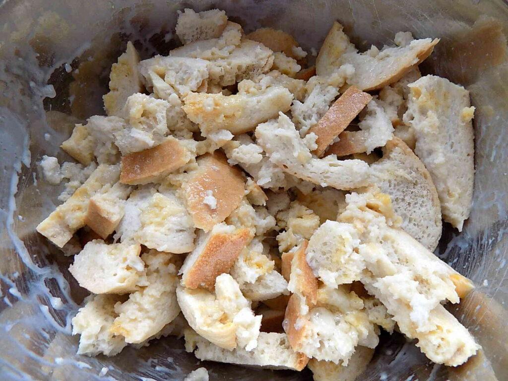 Knedle chlebowe z boczkiem
