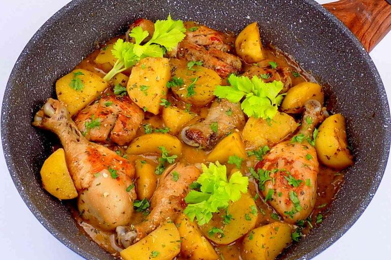 Pałki kurczaka z ziemniakami