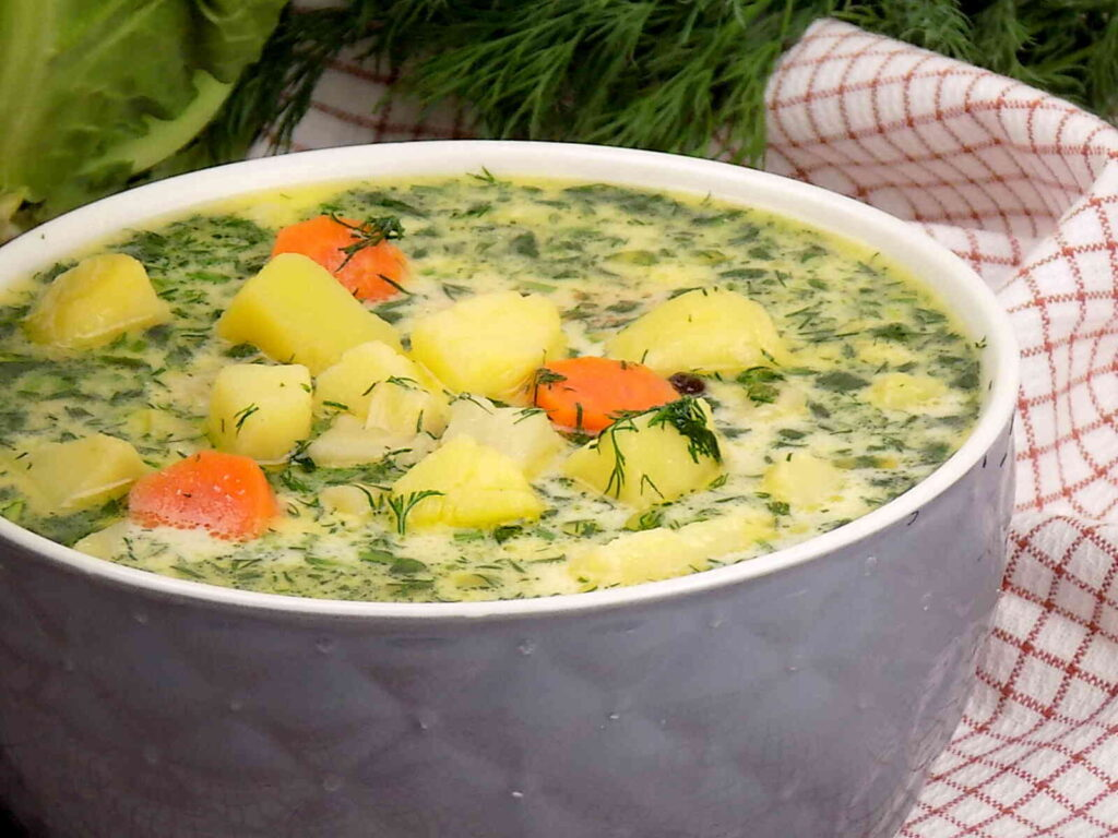 Zupa z koperkiem i ziemniakami