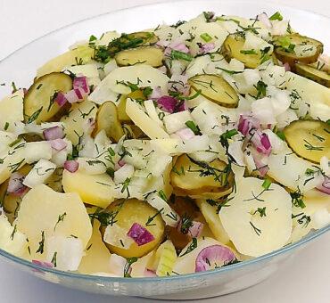 Sałatka ziemniaczana do grilla bez majonezu